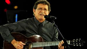 Morre Mac Davis, autor de sucessos de Elvis Presley, aos 78 anos