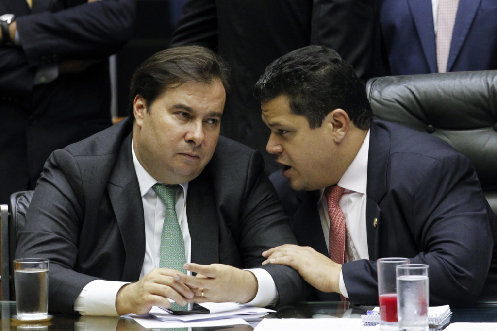 As reações no Congresso à possibilidade de o STF autorizar a reeleição de Maia e Alcolumbre | Jovem Pan