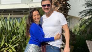 Esposa de Maurício Manieri fala sobre infarto do cantor: 'Grande susto'