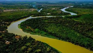imagem aérea de rio