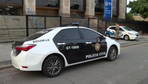 Ação investiga esquema de corrupção; polícia faz buscas em sede da prefeitura do RJ e prédio de Crivella