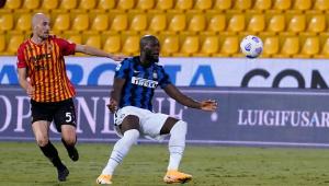 Lukaku faz 2, e Inter goleia pelo Campeonato Italiano