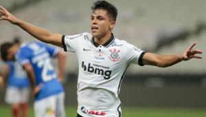 Garotos jogam bem, Corinthians vence Bahia e alivia pressão no Brasileirão