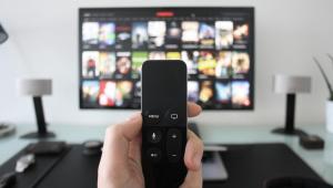 Congresso quer barrar medida da Anatel que autoriza canais de TV por assinatura via streaming