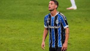 'Continuo sendo o culpado?': Thiago Neves ironiza Grêmio após derrota