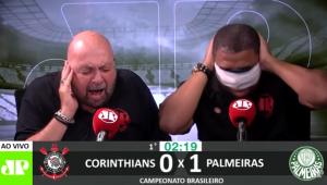Vampeta tenta, mas não consegue não ver gol do Palmeiras; veja reações!
