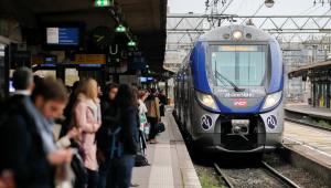 Mulher que ameaçou explodir estação de trem na França é presa