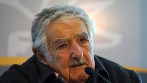 Ex-presidente do Uruguai, José Mujica renuncia ao cargo de senador