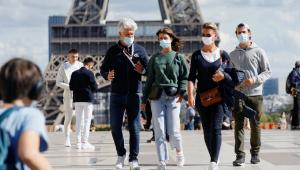 Paris pode adotar novo lockdown de 3 semanas; governo francês critica medida