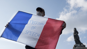 França responde ato de terrorismo com prisões e expulsões do país
