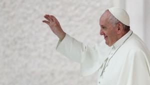 Homossexuais devem ter direito a união civil, afirma Papa Francisco