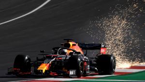 Durante treino para o GP de Portugal, Verstappen bate em Stroll e chama piloto de 'cego'