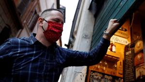 Com 17 mil novos casos de Covid-19, Itália desaconselha viagens ao exterior