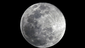 Nasa confirma existência de água na face iluminada da Lua