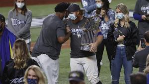 Com Covid-19, jogador do Dodgers será investigado por quebrar protocolo na final do Beisebol