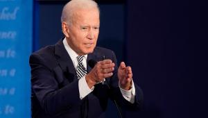Biden garante que governo não será 3º mandato de Obama e prega união dos EUA