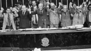 O que é democracia e por que ela está em debate?