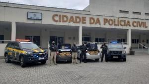 Polícia Civil faz operação para prender foragidos no Complexo da Maré