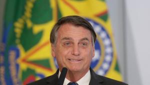 Brasil vai para o espaço quando imprensa for responsável, diz Bolsonaro