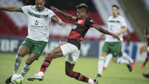 Flamengo derrota Goiás e assume a vice-liderança do Campeonato Brasileiro