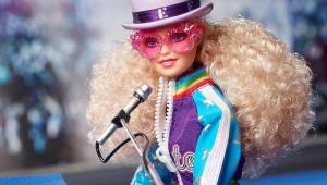 Barbie ganha looks inspirados em Elton John