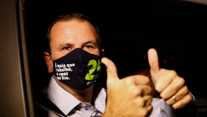 Com 30% das intenções de voto, Eduardo Paes amplia vantagem sobre Crivella no RJ