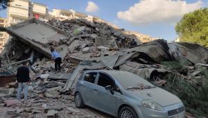 Após terremoto, pequeno tsunami causa inundações em cidade costeira turca