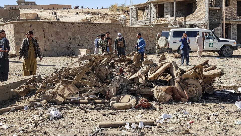 Atentado com carro-bomba mata 13 e deixa 95 feridos no Afeganistão – Jovem Pan