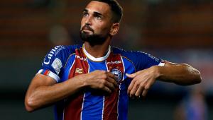 Atlético-MG leva virada do Bahia e cai para 3º no Brasileirão; Botafogo e Goiás empatam