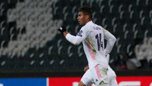Casemiro brilha e Real Madrid arranca empate com Mönchengladbach na Liga dos Campeões