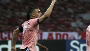 Internacional vence o Vasco e dorme na liderança do Campeonato Brasileiro