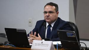 Comissão do Senado aprova indicação de Jorge Oliveira para vaga no TCU