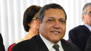bolsonaro oficializa indicacao de kassio nunes ao STF
