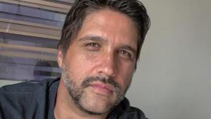 'Me tornei escravo da fama, mas meu filho me acordou', diz Léo Chaves