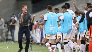 Mancini vê Corinthians no caminho certo: 'Os atletas estão comprando a ideia'