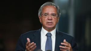 Guedes reconhece PIB abaixo do esperado, mas diz que 'economia está voltando em V'