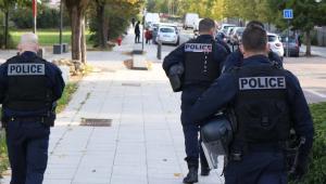 Estudantes são acusados de envolvimento na morte de professor na França
