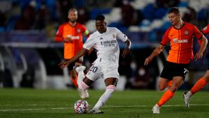 Vinicius Júnior lamenta derrota do Real Madrid na Liga dos Campeões: 'Jogamos mal hoje'