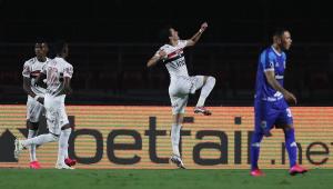 Fora da Libertadores, São Paulo goleia Binacional e vai disputar a Sul-Americana