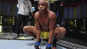 Em sua despedida do UFC, Anderson Silva é derrotado por Uriah Hall