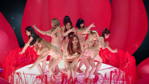 """Em comeback, 'Twice"""" lança novo álbum, clipe e faz live especial"""