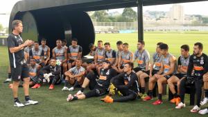 Corinthians tem suspeita de surto de Covid-19 e cogita adiamento do Dérbi