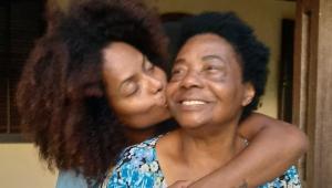 Mãe de Adriana Bombom morre vítima da Covid-19: 'Foi uma mulher de fibra'