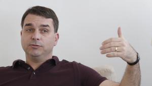 Defesa de Flávio Bolsonaro diz que denúncia sobre rachadinhas é 'crônica macabra'