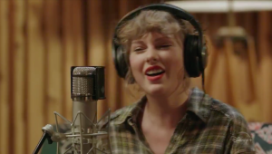 Taylor Swift lança sessão acústica e intimista do 'Folklore' no Disney+; assista