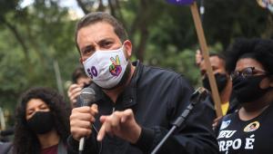 Após diagnóstico de Covid-19 e cancelamento de debate, Boulos convoca militância para reta final