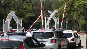 Não existe vaga grátis: o custo de estacionar nas ruas