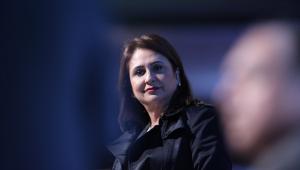 Kátia Abreu defende estabilidade como 'garantia de um serviço público eficiente'