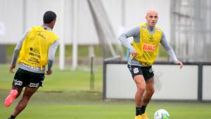 Desfalque no último jogo, Fábio Santos quer recuperação do Corinthians no Brasileirão