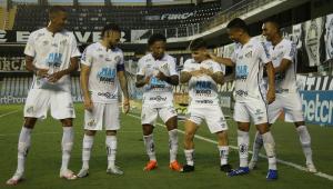Cuca volta ao Santos, faz alterações decisivas e vira estrela da vitória sobre o Sport